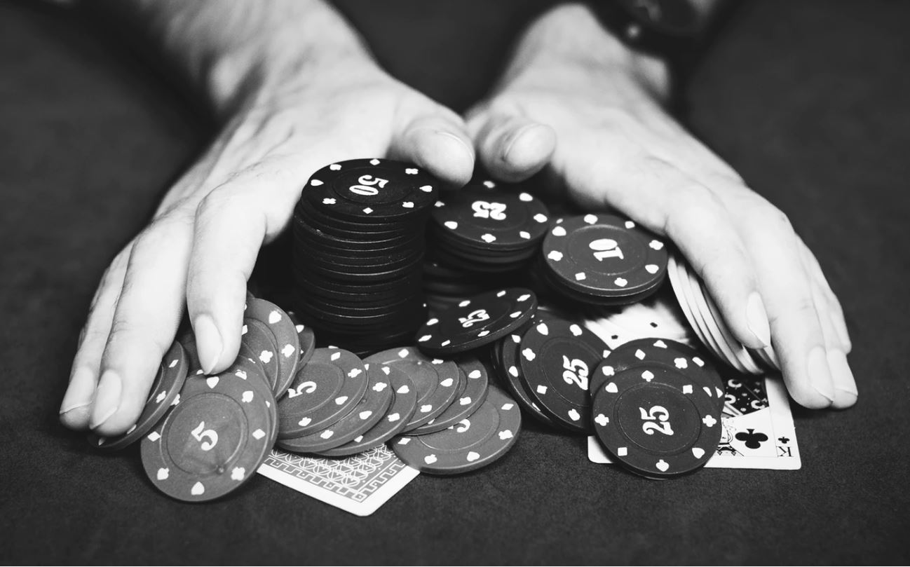 Poker and Trading